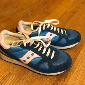 Saucony size 7 sneaker. Blue and light pink